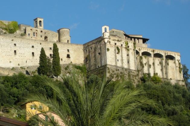 Castello_Malaspina_di_Massa,_Italia_(03)